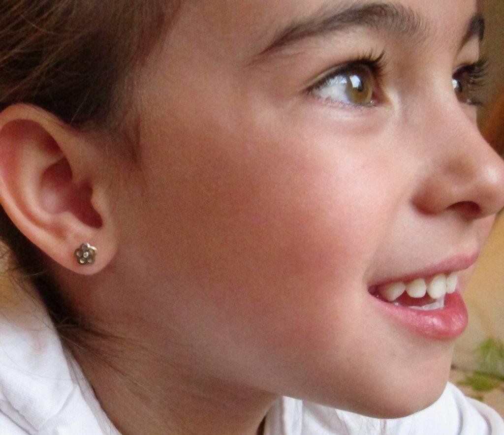 pendientes oro niña bebe rosca no alergia forrados comunión diferentes regalo moda diferente flor bicolor circonita oreja top