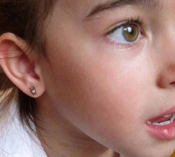 pendientes oro niña bebe rosca no alergia forrados comodos diferentes regalo moda diferente niña bicolor liso oreja
