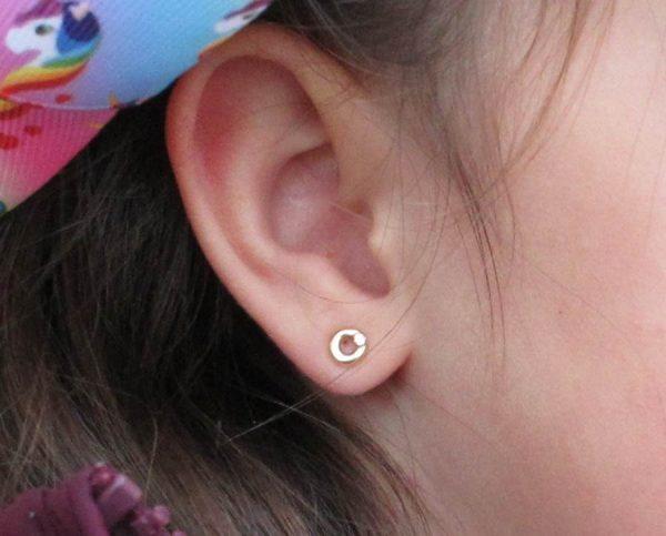 pendientes redondo aro pequeño bisel oro bebe niña rosca seguridad circonita bebé hipoalergénicos aretes tuerca en la oreja pequeña