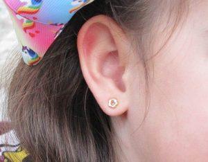 pendientes aro flor bisel circonita oro bebe niña rosca seguridad pequeña recien nacida hipoalergénicos aretes en la oreja