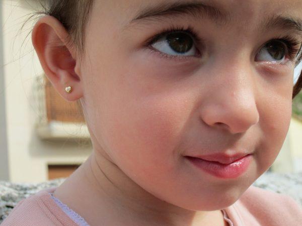 pendientes corazon circonita oro niña bebe rosca seguridad oreja
