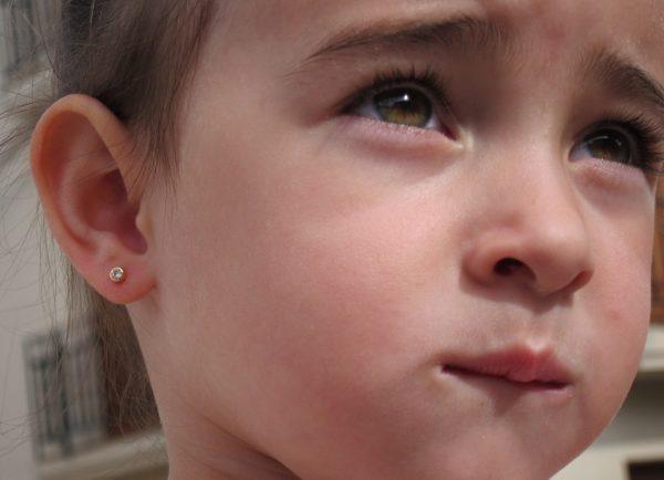 pendientes chaton circonita oro niña bebe rosca seguridad oreja