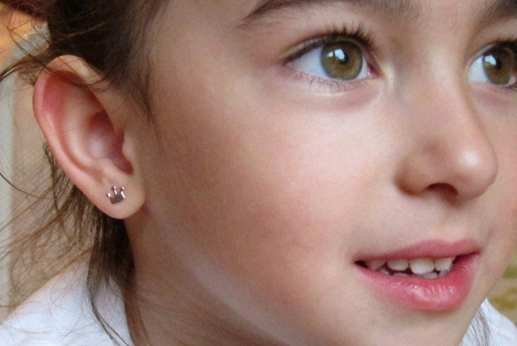 pendientes oro blanco corona mocosa regalo niña bebe regalo seguro oreja