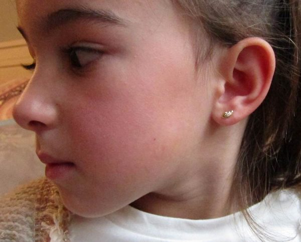 pendientes alas angel blanco oro bebe niña rosca seguridad hipoalergénicos aretes tuerca exclusivos mocosa en la oreja modelo pequeña