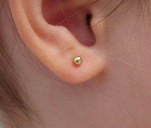pendientes bola oro bebe niña rosca seguridad hipoalergénico recien nacida pequeña joven mujer aretes tuerca en la oreja