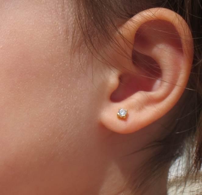 pendientes cuatro garra brillante circonita baratos oro recien nacida mujer pequeña niña bebe rosca seguridad hipoalergénicos aretes en la oreja