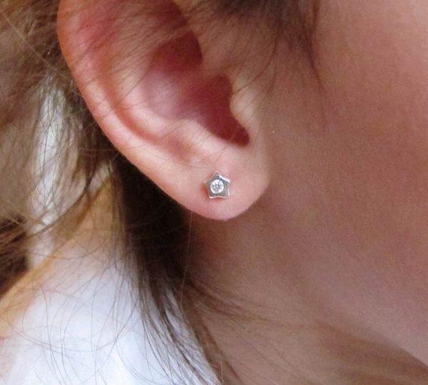 pendientes estrella circonita plata oro blanco recién nacida bebe niña rosca seguridad hipoalergénicos tuerca aretes baratos en la oreja modelo