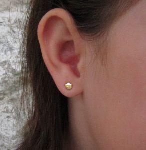 pendientes flor oro bebe niña baratos rosca seguridad hipoalergénicos recién nacida pequeñas tuerca aretes en la oreja