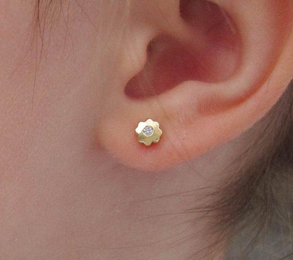 pendientes flor trébol circonita oro bebe niña rosca seguridad hipoalergénico arete tuerca en la oreja