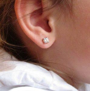 pendientes garra brillante circonita baratos oro blanco recien mujer pequeña niña bebe rosca en la oreja hipoalergénicos