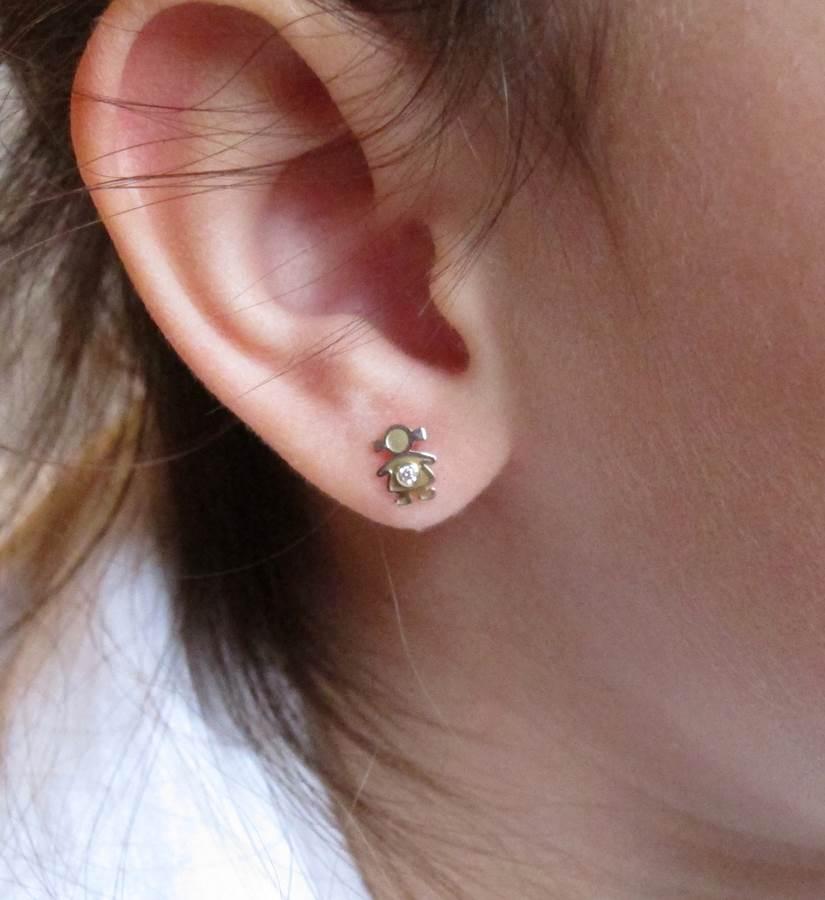 pendientes niña oro y oro blanco rosca tuerca circonita hipoalergénico pequeña en la oreja 18k
