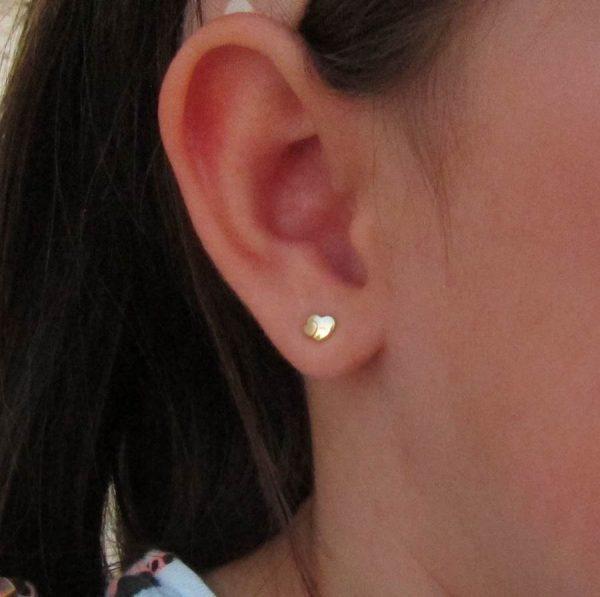 pendientes oro doble corazon 18k aretes rosca tuerca hipoalergénicos recién nacida bebé niña joven en la oreja pequeñas