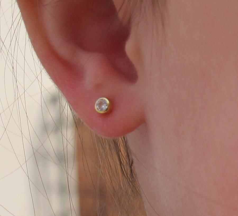 pendientes piedra chaton circonita oro recién nacida niña bebé rosca seguridad hipoalergénicos aretes tuerca en la oreja