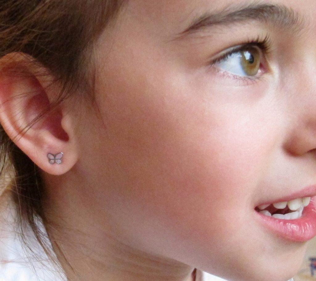 pendientes mariposa rosa lunares plata rosca niña oreja