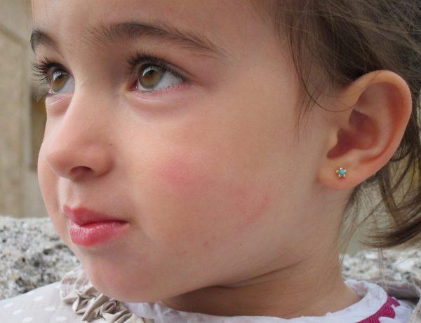 pendientes estrella turquesa niña bebe rosca seguridad modelo oreja
