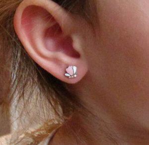 Pendientes mariposas color esmalte plata tuerca en la oreja modelo niña rosca arete hipoalergénicos