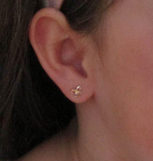 pendientes aretes hipalergénicos oro bebé niña en la oreja rosca tuerca mariposas colores divertidos pequeña baratos