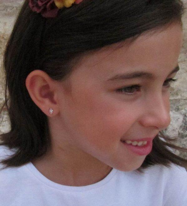 pendientes oro carita unicornio niña bebé recién nacida aretes rosca tuerca hipoalergénicos en la oreja pequeña 18k