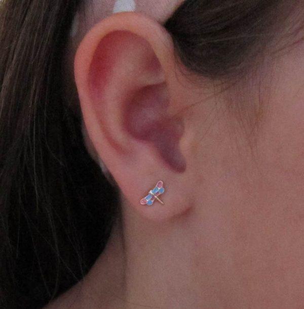 pendientes oro libelulas aretes rosca tuerca hipoalergénico niña pequeña color en la oreja