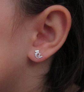pendientes plata sirenita sirena baratos mocosa regalo niña rosca tuerca hipoalergenicos en la oreja de cerca