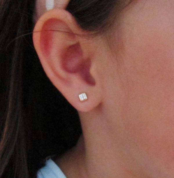 pendientes oro cuadrado circonita bebe niña regalo mocosa atrevia rosca tuerca hipoalergenicos en la oreja