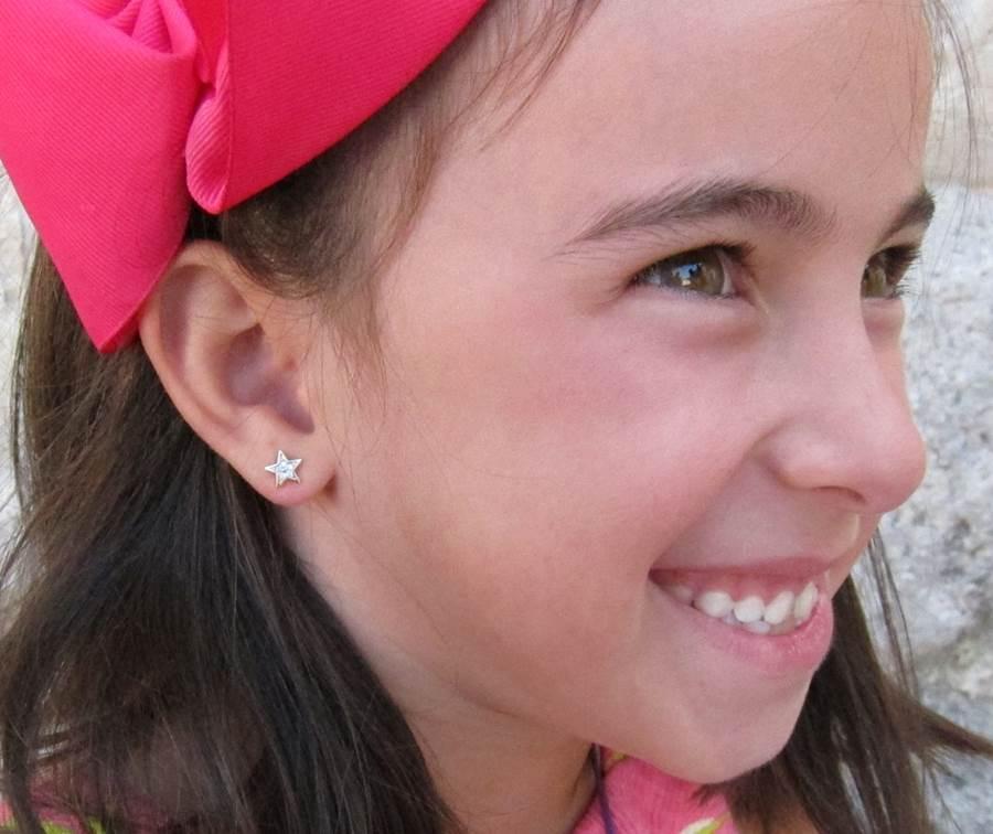 pendientes oro niña bebe rosca no alergia regalo forrados comodos estrella diferentes regalo moda diferente multipiedra circonita en la oreja modelo