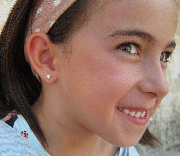 pendientes oro niña bebe rosca no alergia 18k forrados comodos corazon diferentes regalo moda redondo multipiedra circonita hipoalergenicos en la oreja