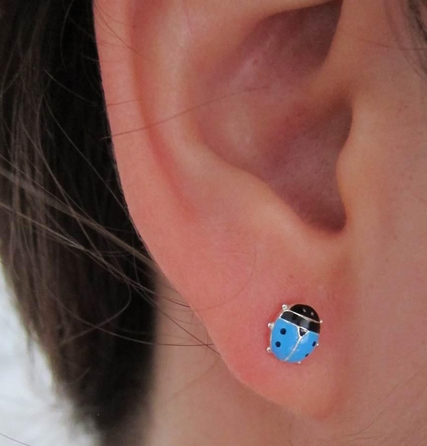 Pendientes mariquita grande plata rosca niña moda unicos azul celeste turquesa seguridad diferentes en la oreja