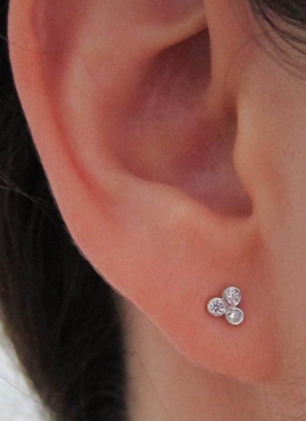 Pendientes tres circonitas plata niña bebé rosca seguridad moda mocosa oreja