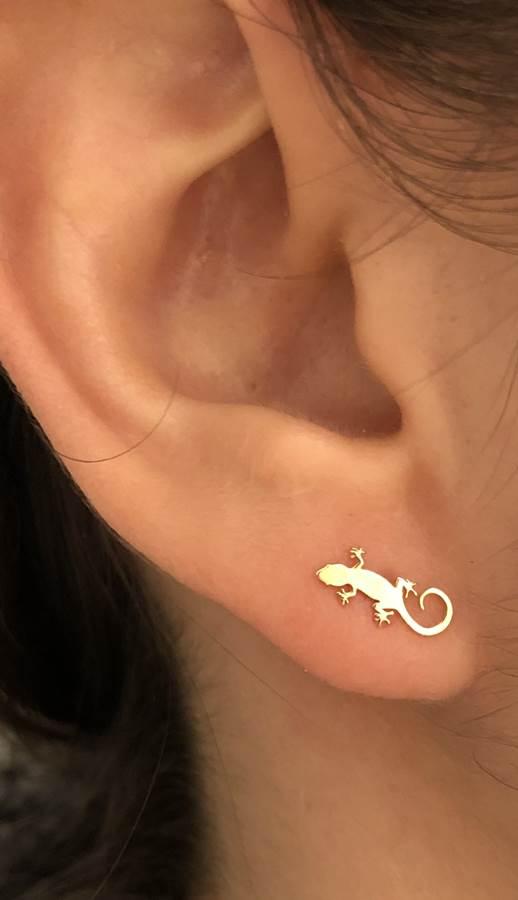 pendientes salamandra niña bebe oro rosca seguridad mamá lagarto lagartija diferente mocosa original en la oreja